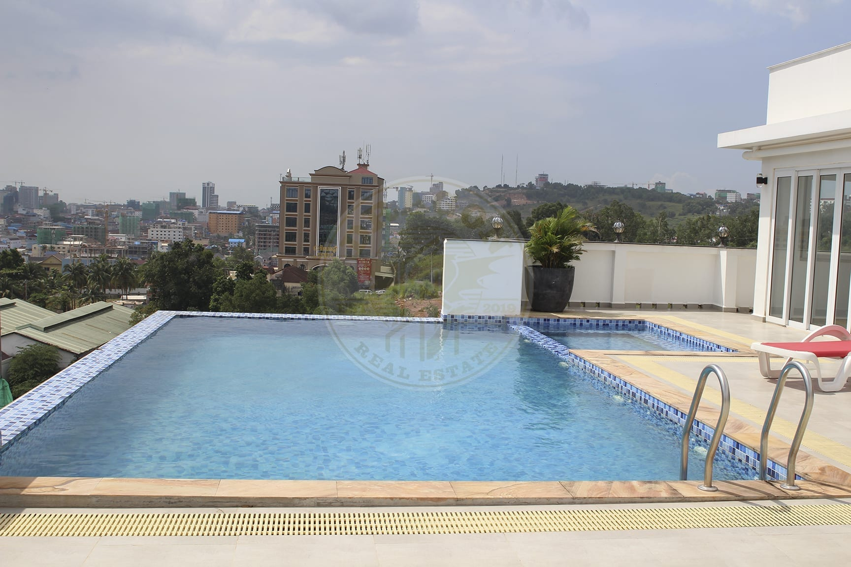Unique and very Upscale Apartment in Sihanoukville.Dragon Real Estate