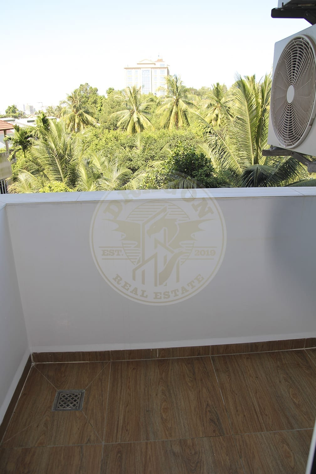 Unique and very Upscale Apartment in Sihanoukville. Real Estate in Sihanoukville