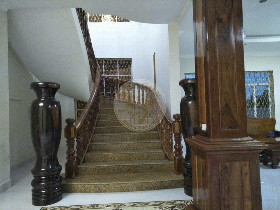 Villa with Private KTV room for Rent. Dragon Real Estate