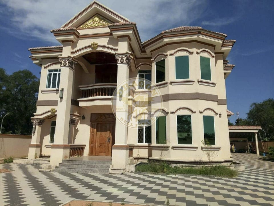 Villa with Private KTV room for Rent. Sihanoukville Real Estate