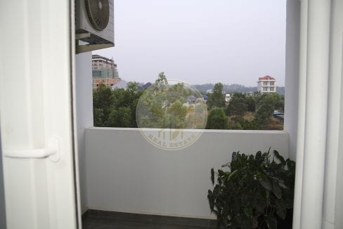 Spectacular Views in Every Direction Studio for Rent. Dragon Real Estate