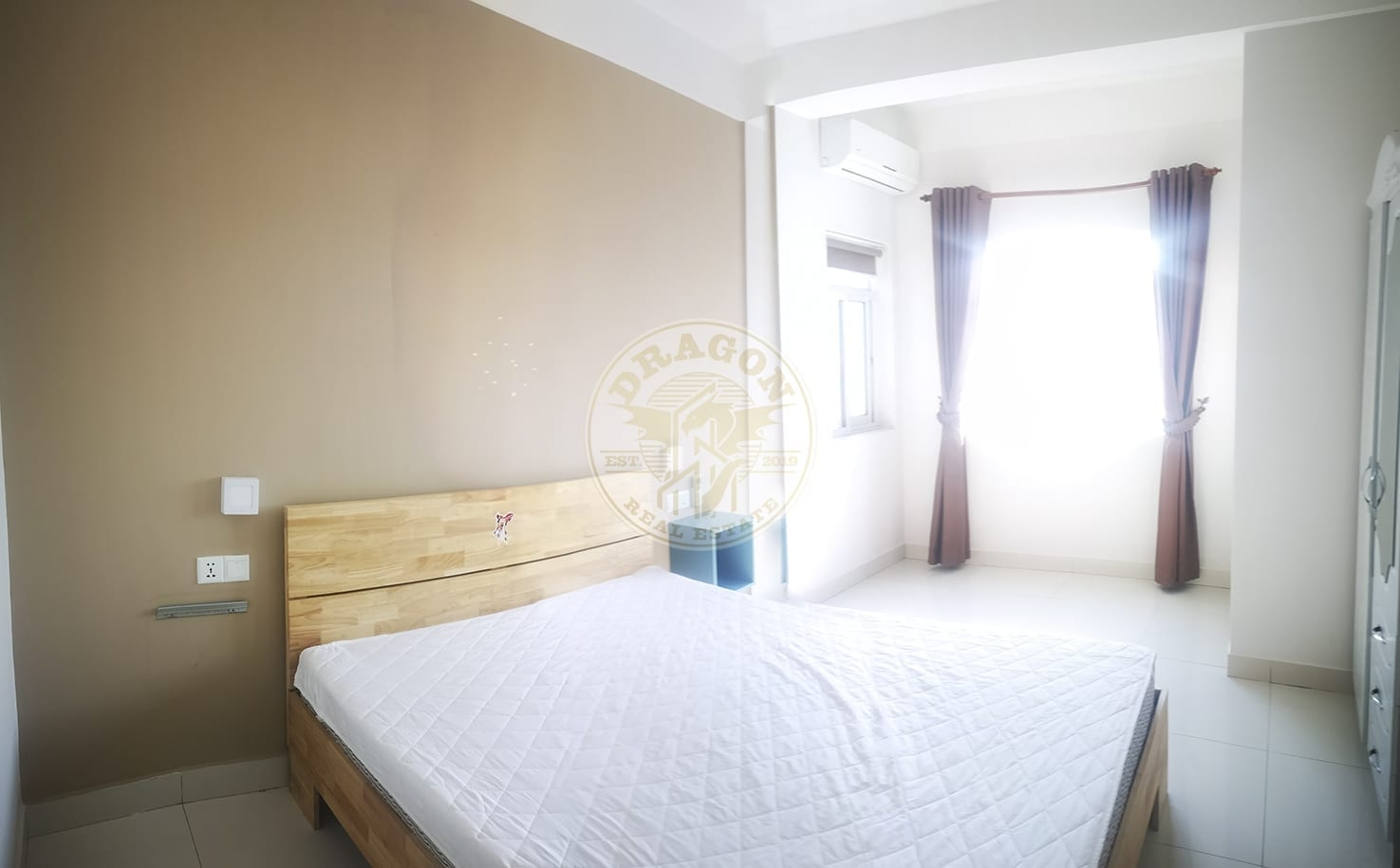 Apartment w/ Two balconies for Rent. Real Estate in Sihanoukville