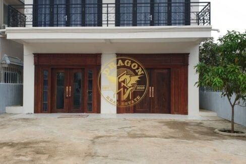 , 7 Bedrooms House For Rent In Kampong Som
