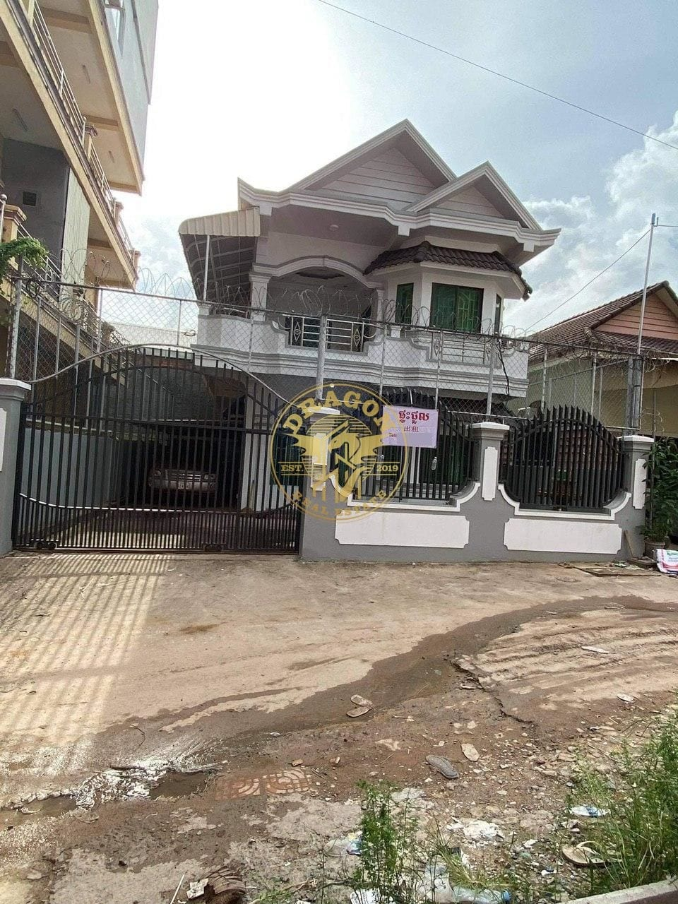 2 Storey  Home In 01